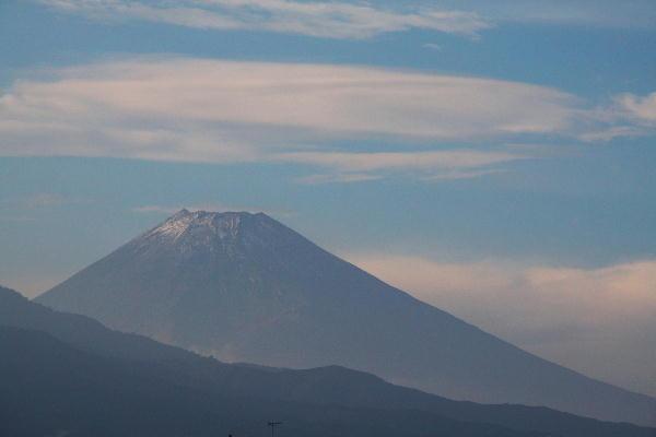 IMG_8028.jpg 10.20-15,43-.三島からの富士山jpg..jpg