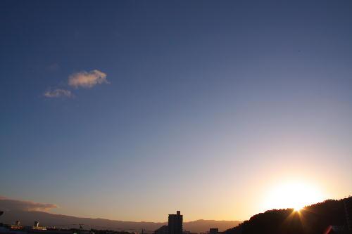 IMG_8694.jpg 11.15-6.46-日の出.jpg