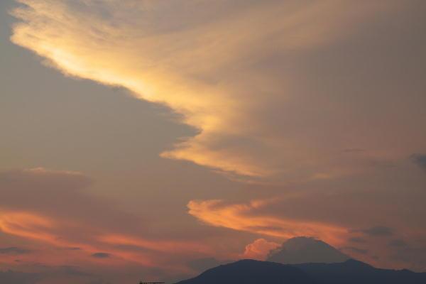 _MG_3038.jpg 7.22-18.54-夕暮れの富士山.jpg