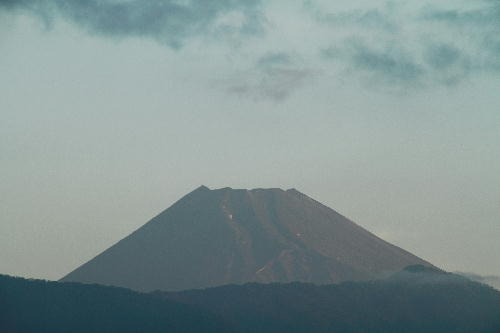 IMG_4072.jpg 9.2-5.26-今朝の富士山.jpg
