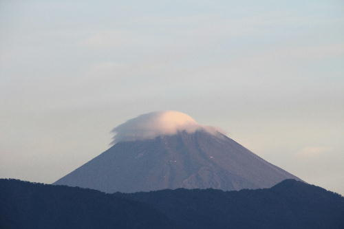 IMG_0347 10.3-5.48-今朝の富士山.jpg
