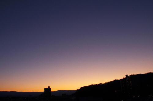 IMG_2602.jpg 12.27-6.32-太陽が昇る前.jpg