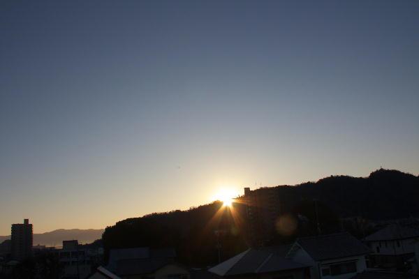 IMG_2636.jpg 2011 1.1-7.28-初日の出.jpg