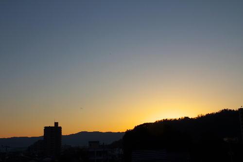 IMG_3526.jpg 1.27-6.54-日の出前.jpg