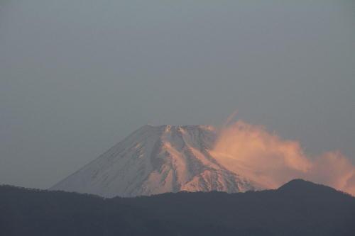 IMG_4721.jpg 3.16-6.03-今朝の富士山.jpg