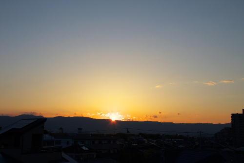 IMG_6258.jpg 4.29-5.16-日の出.jpg