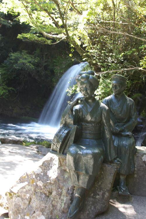 初景滝と踊り子.jpg