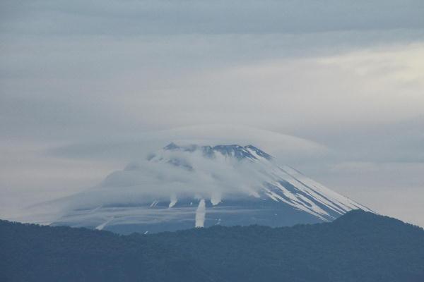 IMG_7209.jpg 6.8-4.51-今朝の富士山.jpg
