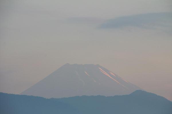 IMG_7570.jpg 6.30-4.54-今朝の富士山1.jpg