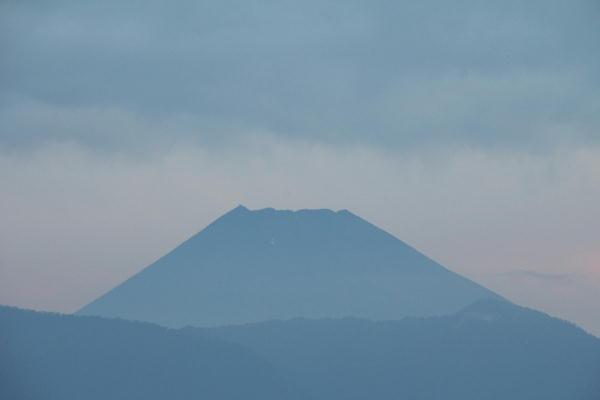 IMG_8980.jpg 8.24-5.11-今朝の富士山2.jpg