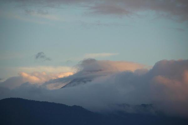 IMG_9120.jpg 8.31-5,25-今朝の富士山.jpg
