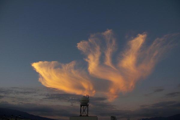 IMG_9514.jpg 9.14-17.58-面白い夕焼け雲1.jpg
