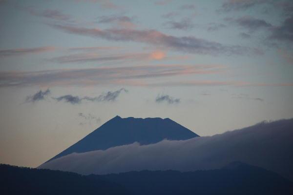 IMG_9728.jpg 9.25-5.51-今朝の富士山.jpg