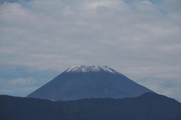 IMG_9756.jpg 9.27-10.25-冠雪の富士山0.jpg