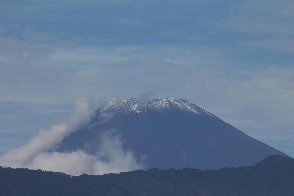 IMG_9763.jpg 9.27-10.58-冠雪の富士山.jpg
