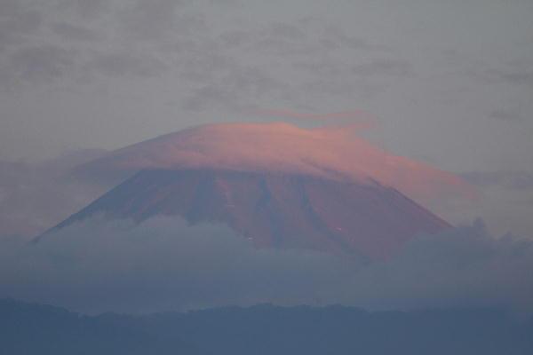 IMG_0674.jpg 10.25-6.04-今朝の富士山.jpg