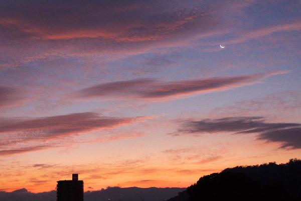 IMG_0667.jpg 10.25-5.28-夜明けの空.jpg