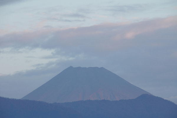 IMG_0745.jpg 10.30-6.16-今朝の富士山.jpg