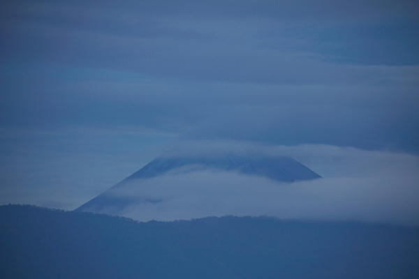 IMG_0750.jpg 10.31-6.12-今朝の富士山.jpg