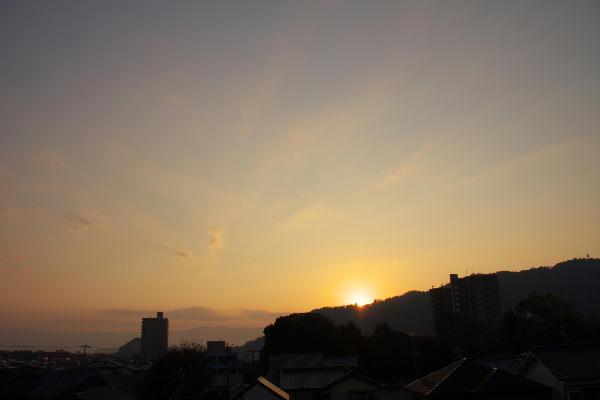 IMG_0961.jpg 11.14-6.47-日の出.jpg