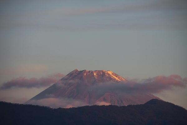 IMG_1061.jpg 11.22-6.35-今朝の富士山.jpg
