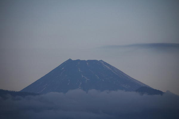 IMG_1329.jpg 11.30-6.47-今朝の富士山.jpg