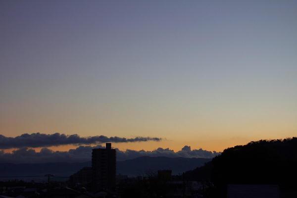 IMG_1514.jpg 12.10-6.38-日の出前.jpg