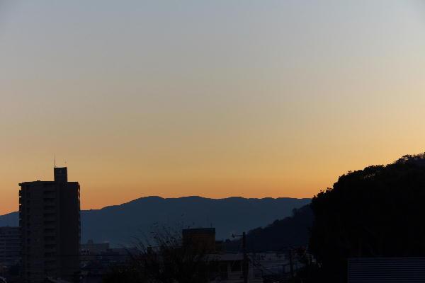 IMG_1569.jpg 12.13-6.44-日の出前.jpg