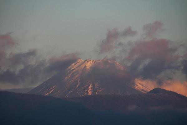 IMG_1636.jpg 12.19-7.04-今朝の富士山.jpg