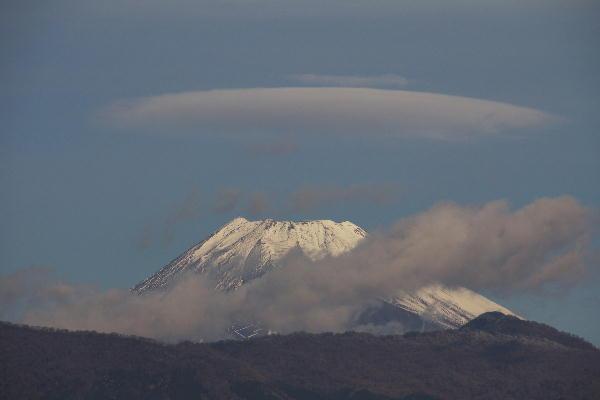 IMG_1693.jpg 12.21-9.04-今朝の富士山笠雲.jpg