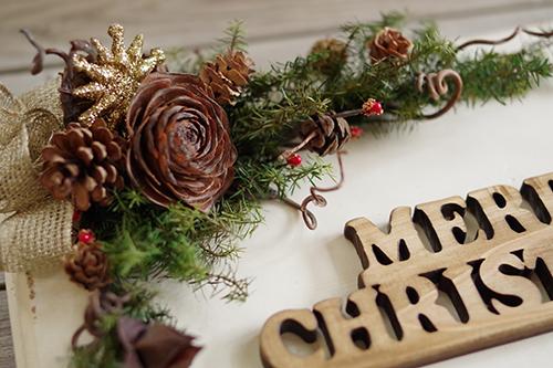 木の実のクリスマスプレートアレンジメント