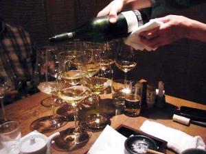 11-11-17夜 ワインそそぎ
