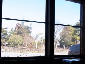 12-1-29 窓から2
