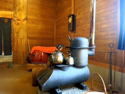 14-11-23 店内2暖炉