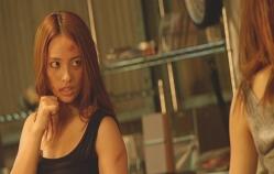 皐月の部屋で戦いの練習をしているミーコ