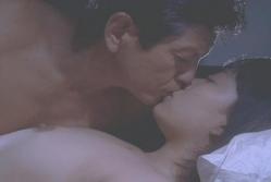 美幸にキスをする南雲