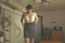 5スカートを脱ぎ