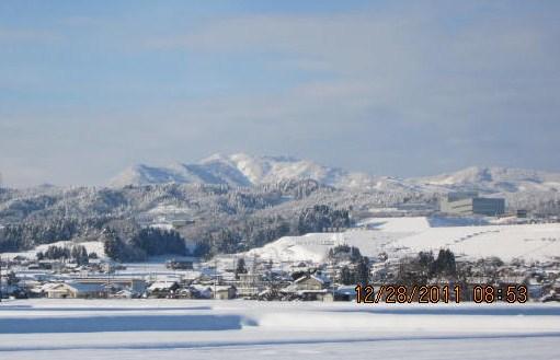 牛岳雪晴れ