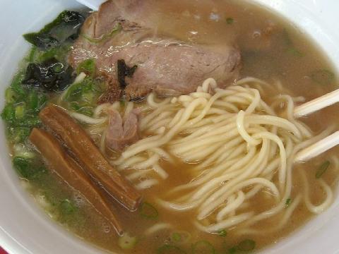 武神・ラーメン 麺