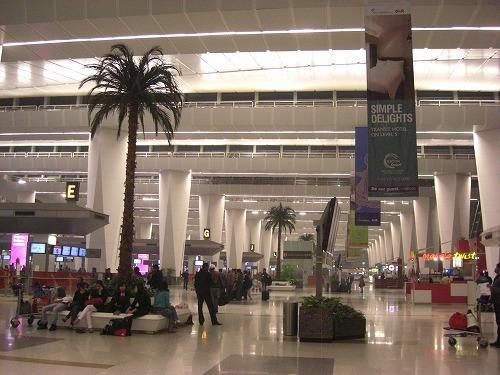 デリー空港 (2)