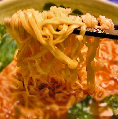 麺アップ1
