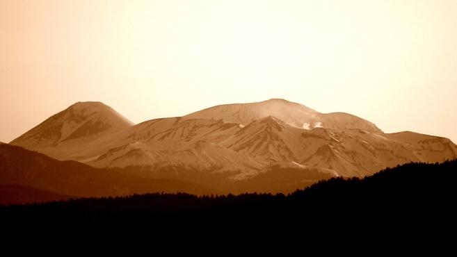 双岳台から雌阿寒岳