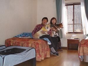 お部屋で家族写真
