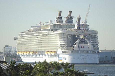 World's largest cruise ship documentary itv