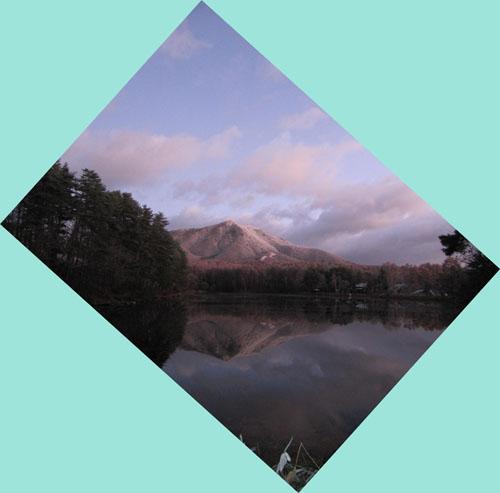 今朝の飯綱湖