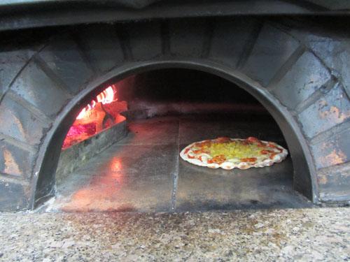 本格窯焼きピザ