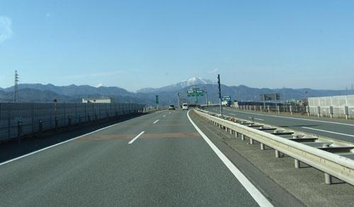 遠くから飯綱山
