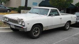 エルカミーノ260px-1967-Chevrolet-El-Camino