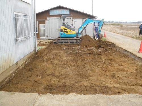 穴掘りほぼ完了