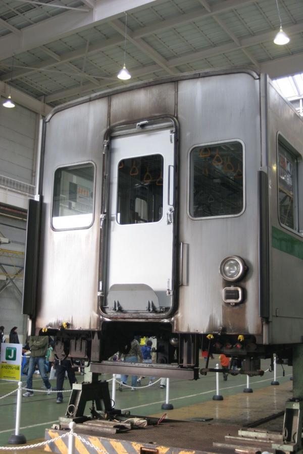 6128F中間運転台